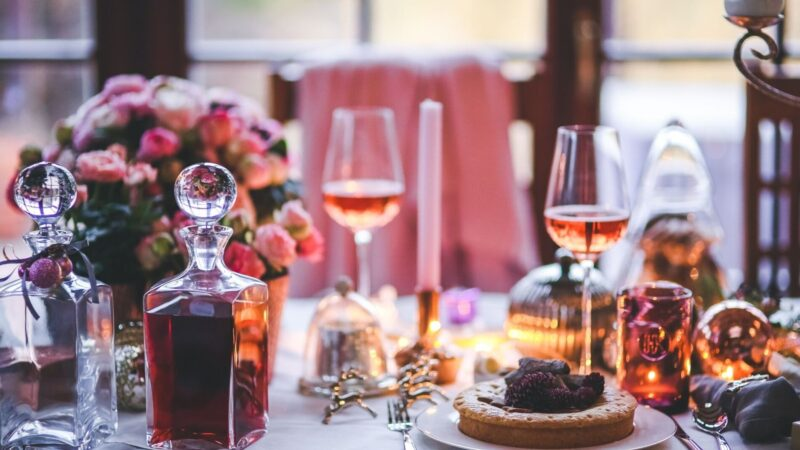 a romantic table setting at a Naples restaurant